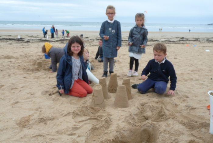Sortie plage, atelier sculpture et hiboux récup'