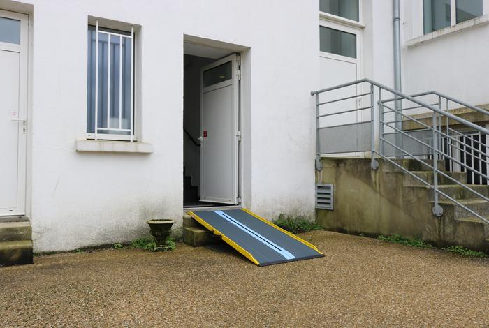 Rampe d'accessibilité
